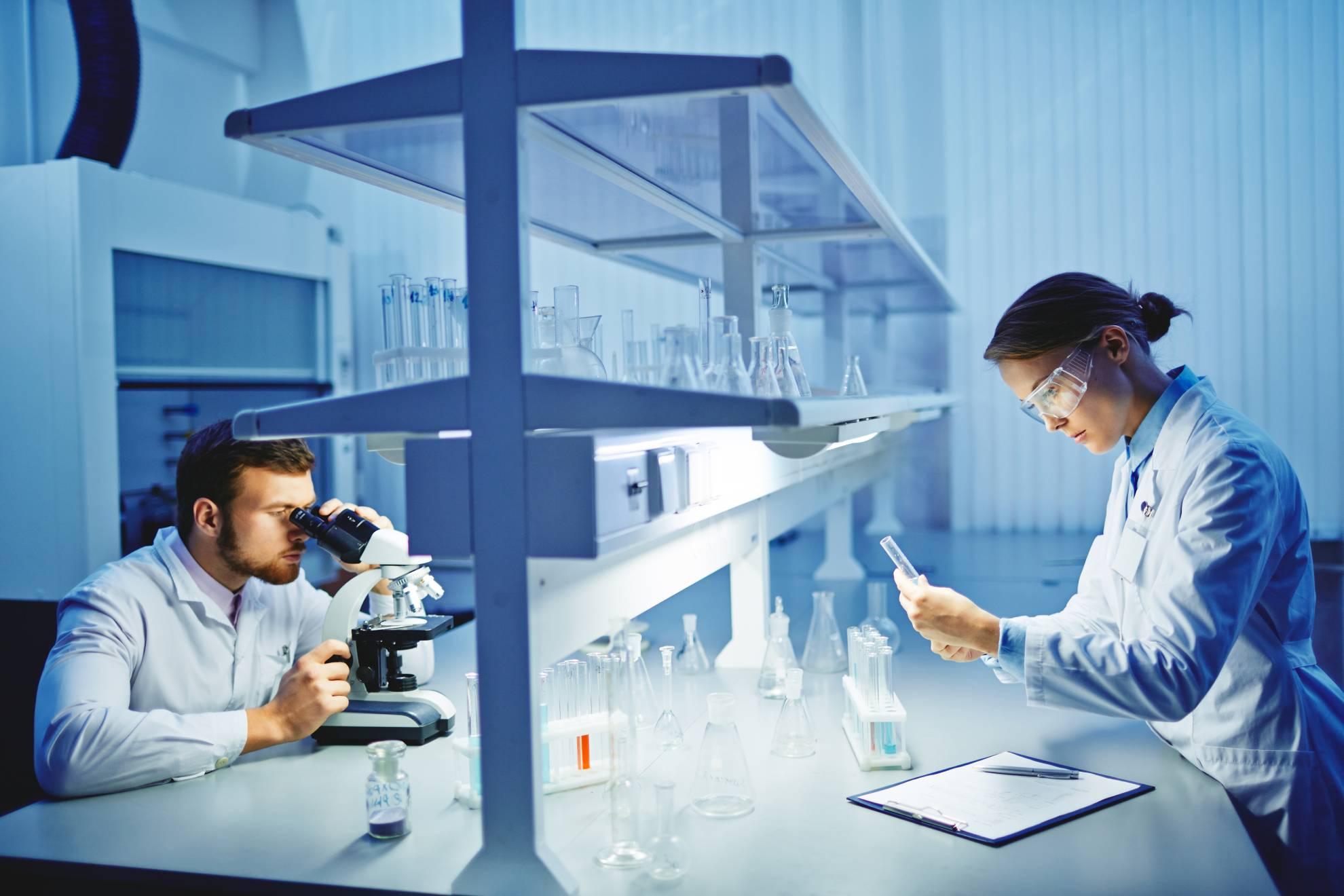 laboratory-research-PNUWS5K (1)