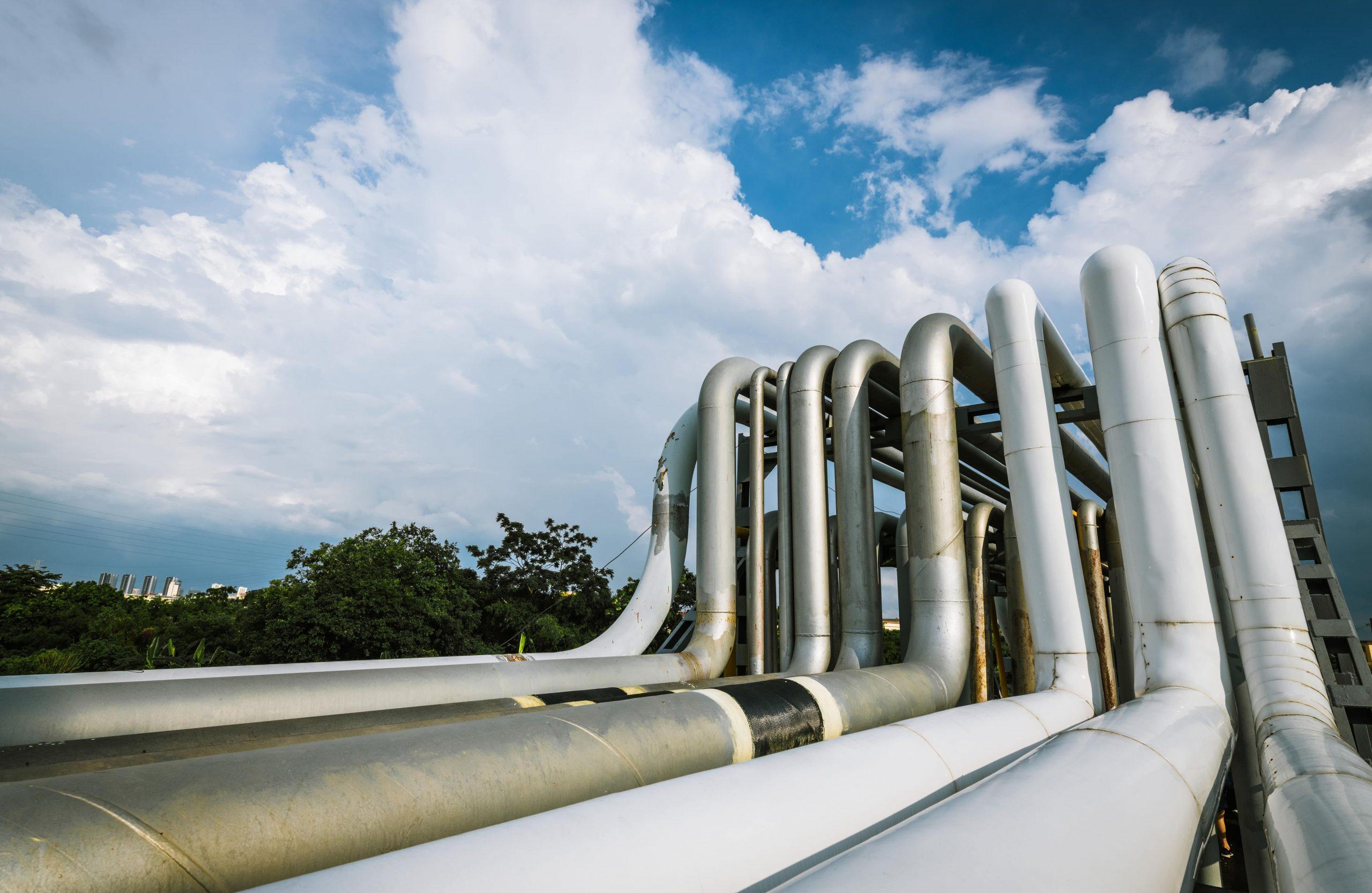 oil-pipeline-9WNMKVM