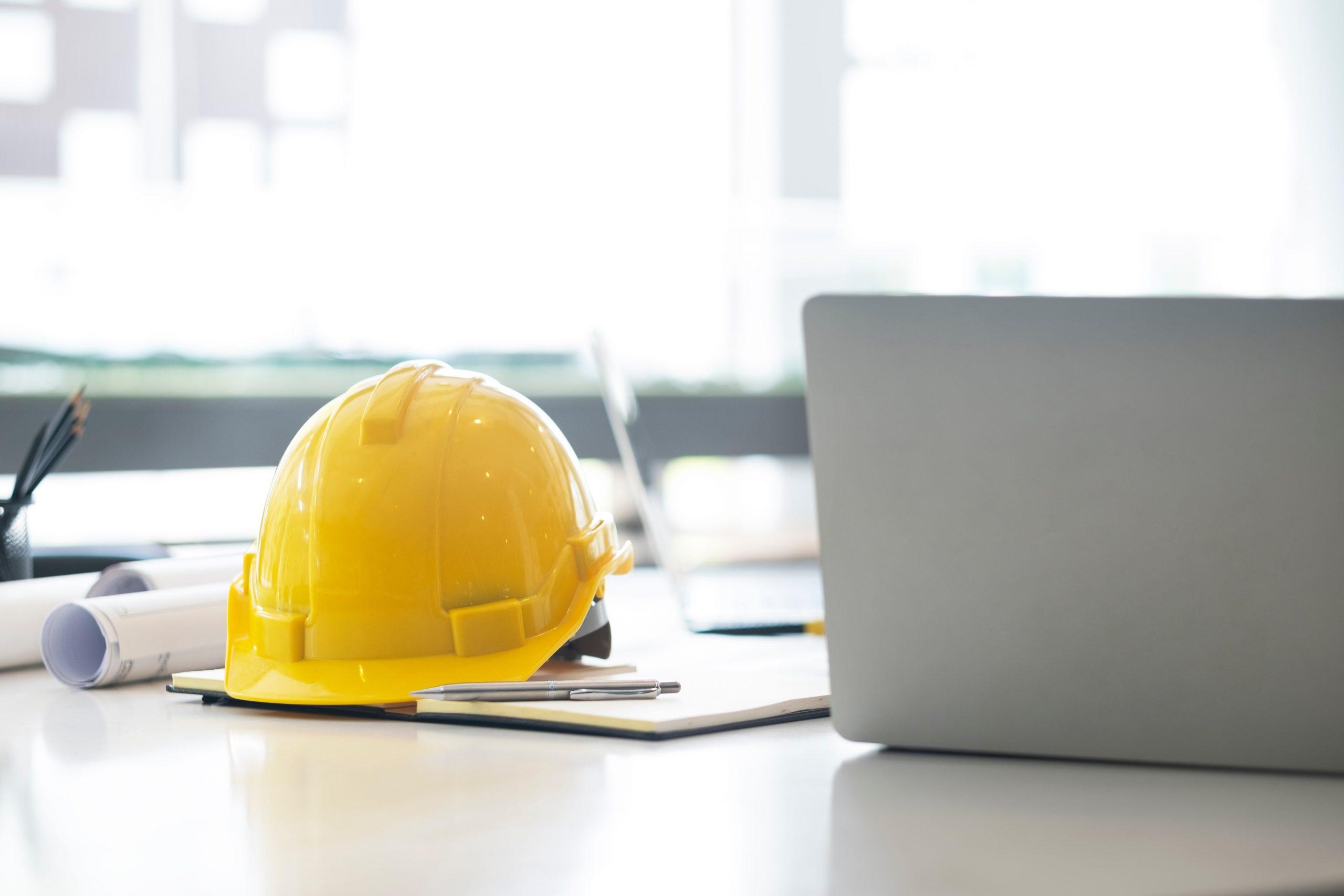 engineer-construction-office-computer-desk-UF4CVHH-min
