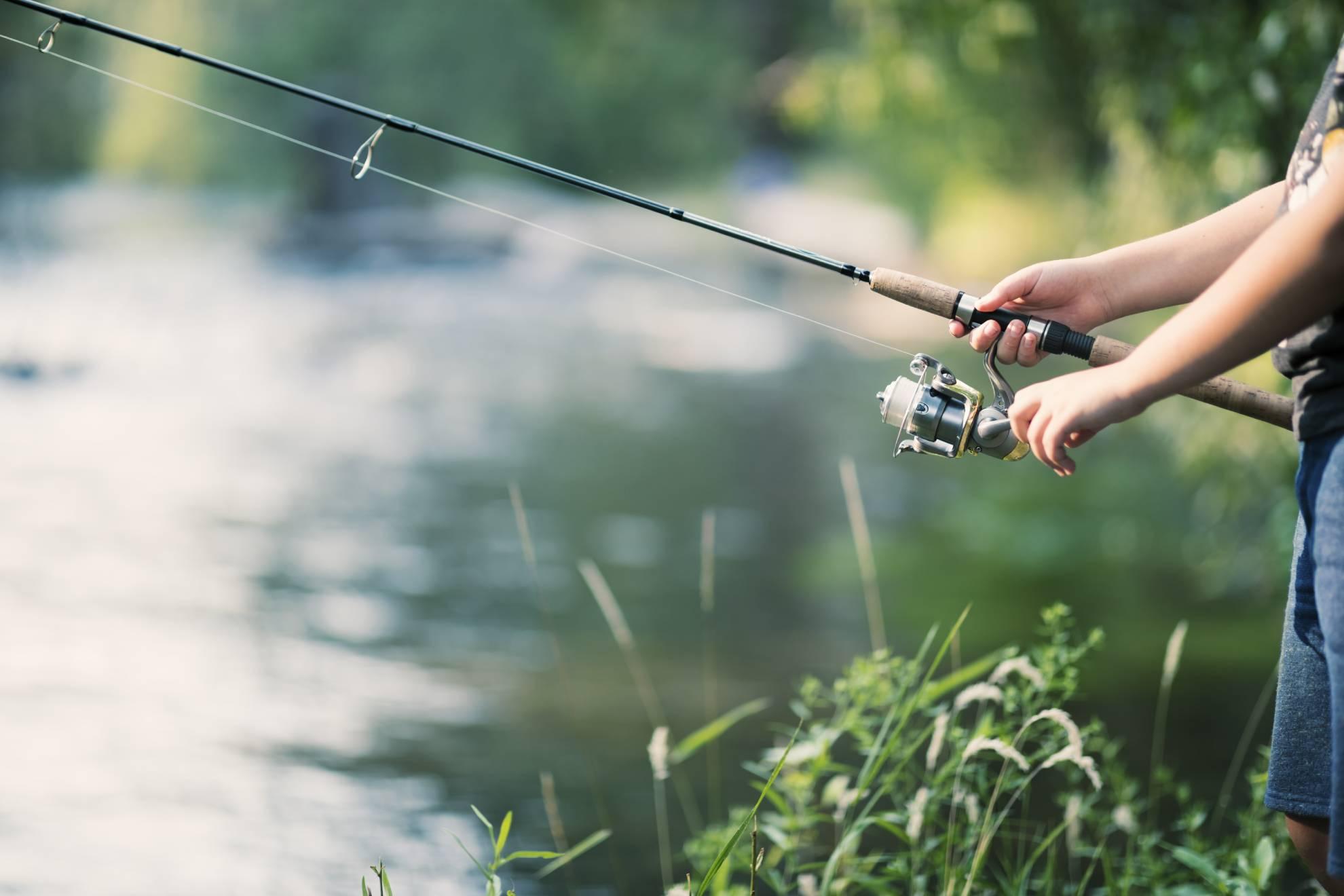 fishing-56C2ZRJ (1)