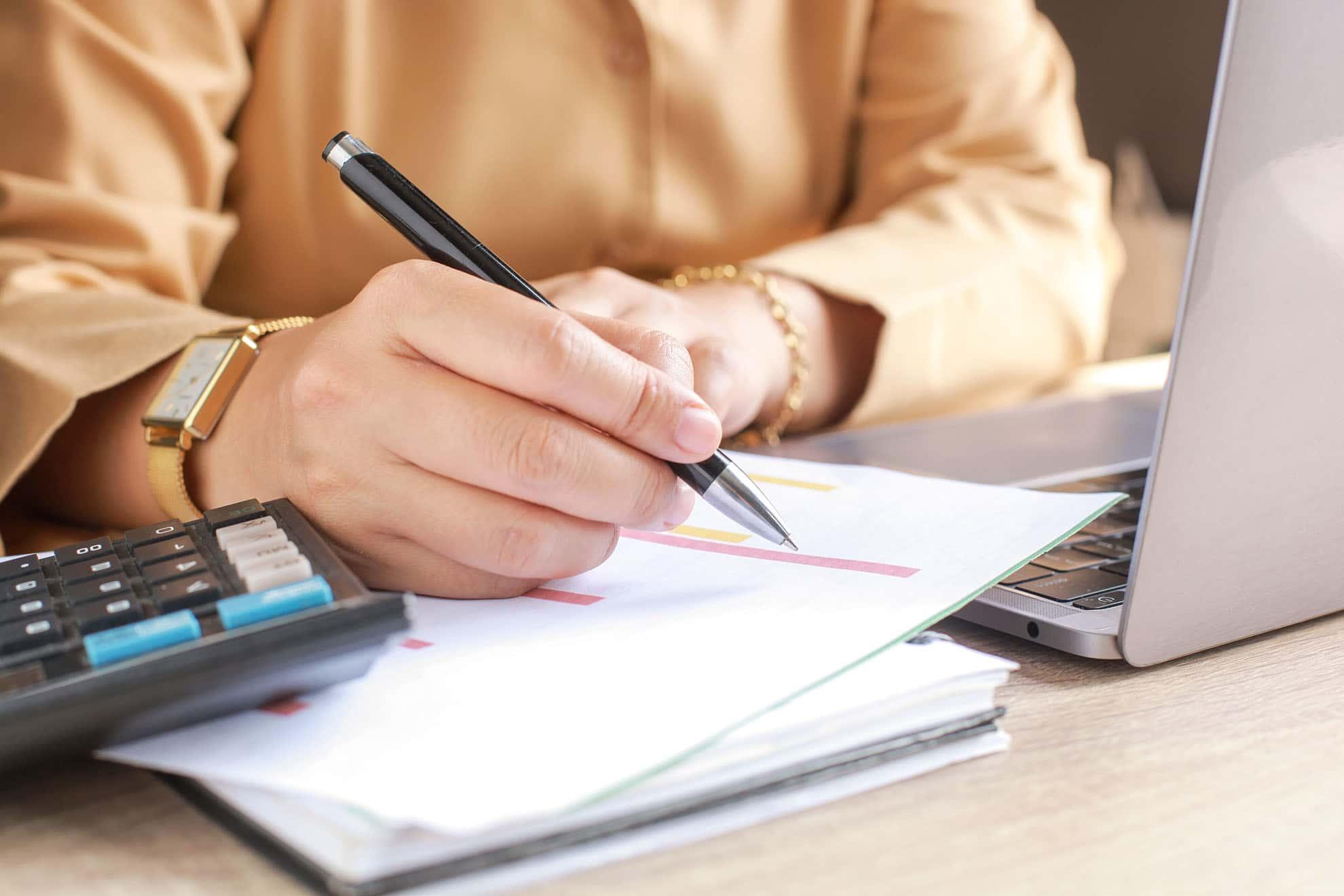 secretary-writing-EFVA6GL-min
