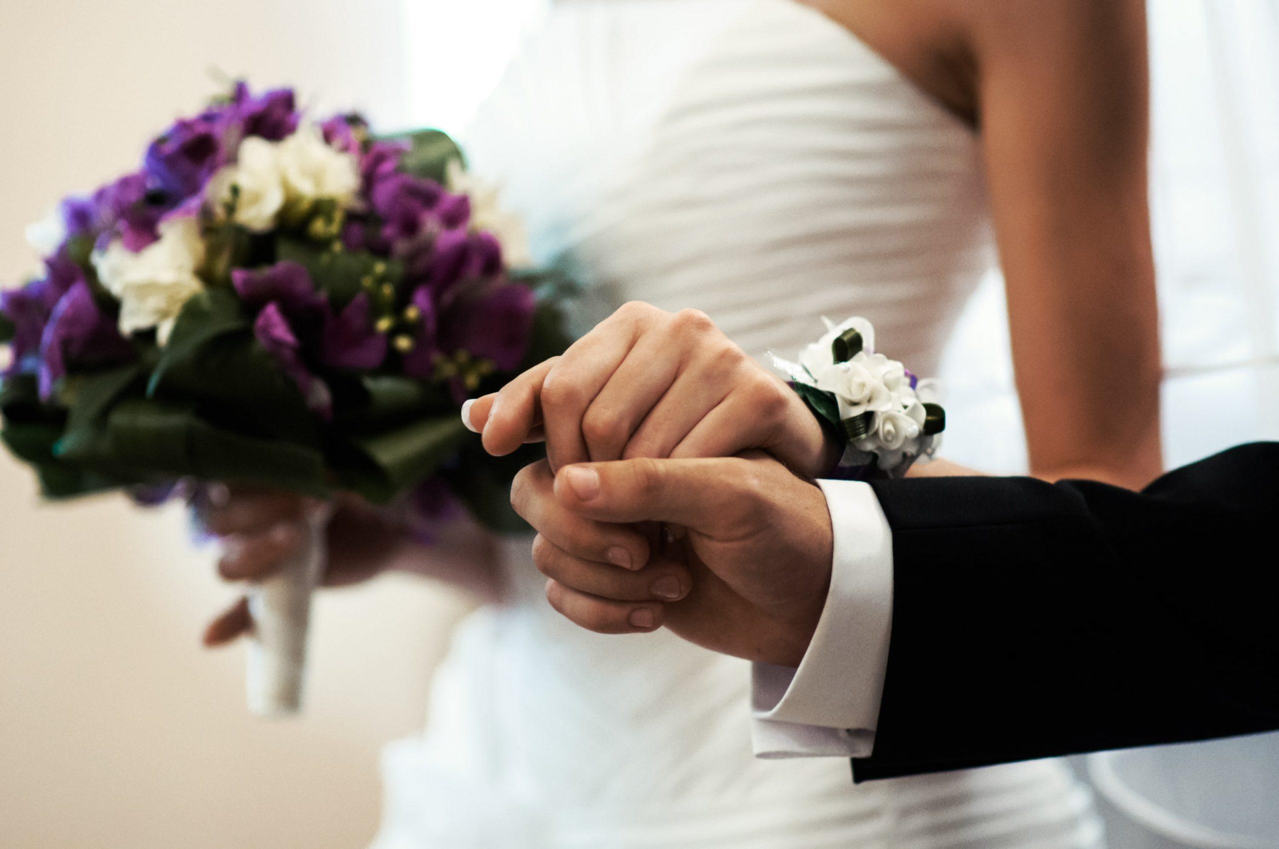 wedding-engagement-time-D5DLTVU