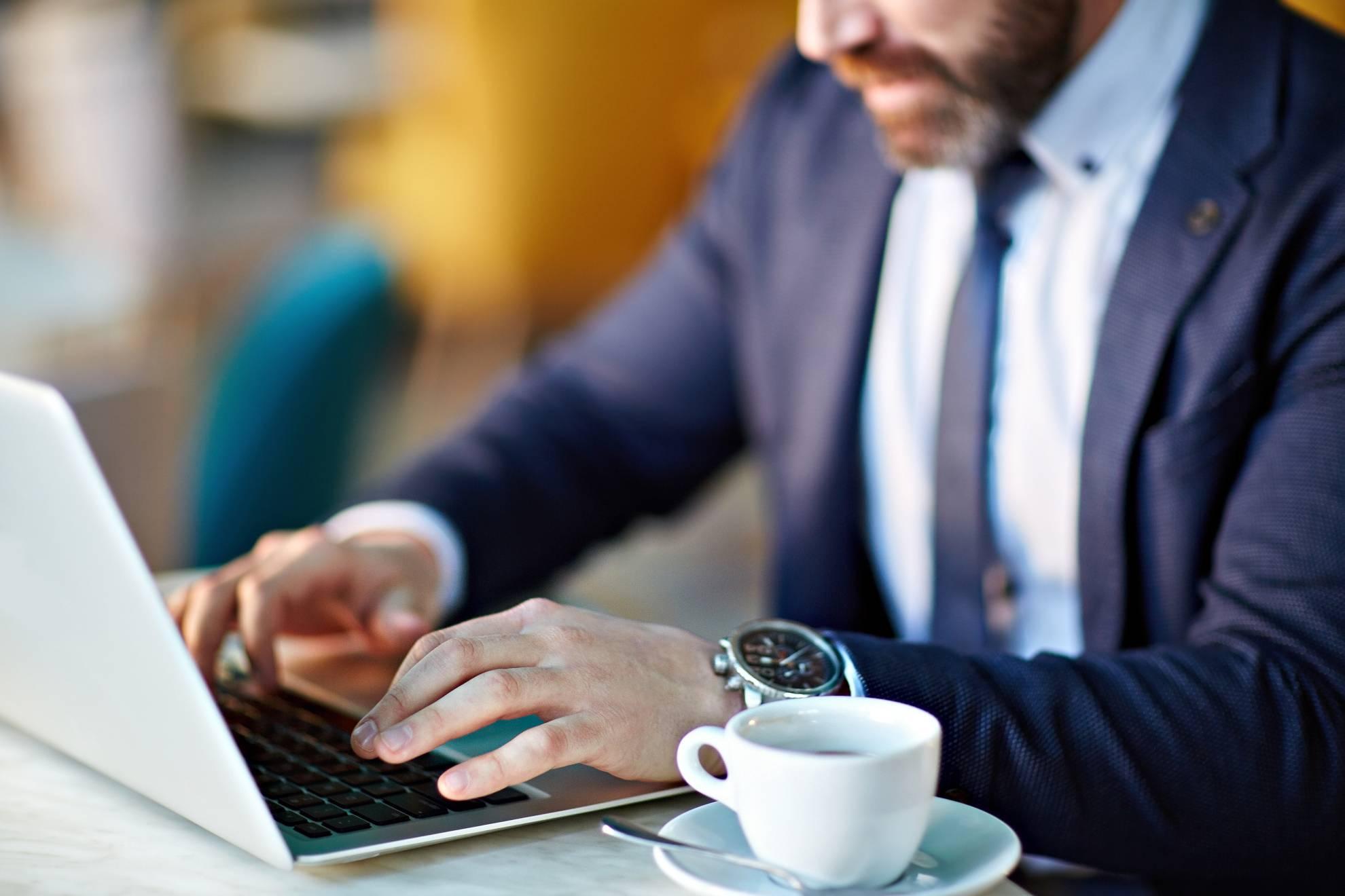 businessman-at-work-PL7VZED (1)