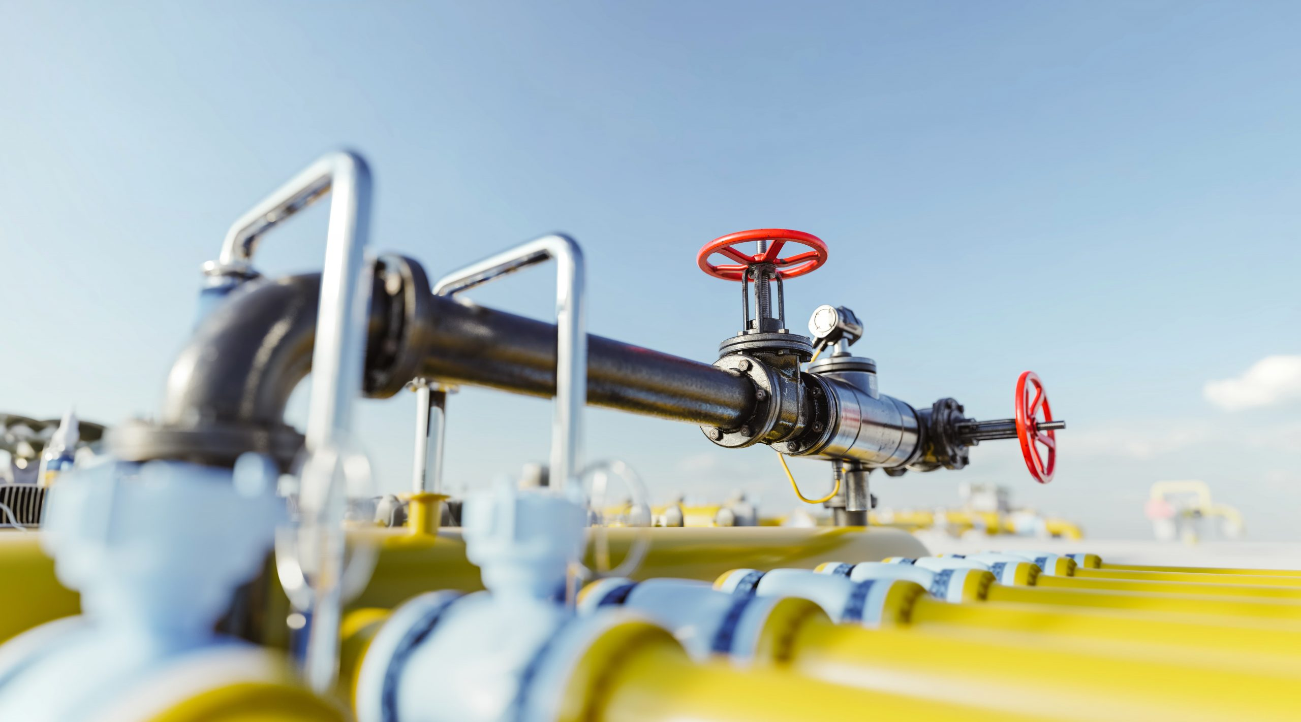gas-tap-with-pipeline-system-at-natural-gas-statio-HSEHJNT-min