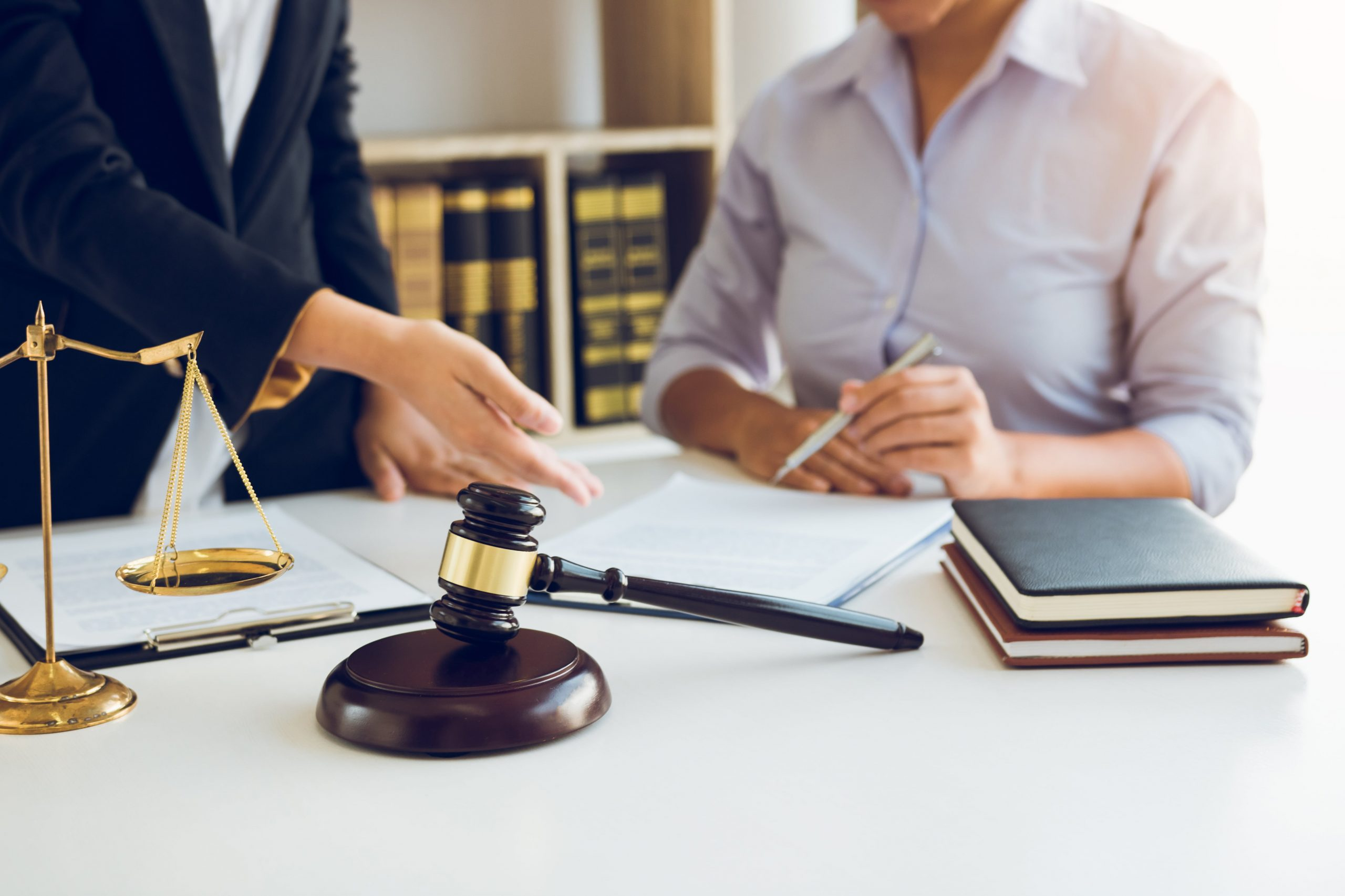 lawyer-explained-to-the-client-about-the-legal-iss-XHH8L2X